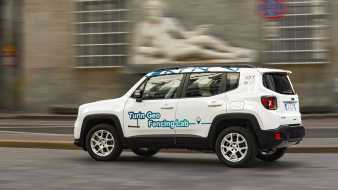 This hybrid Jeep auto-enables EV mode in the city – then reports you if you use gas