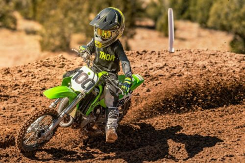 2021 KAWASAKI KX TWO-STROKES FIRST LOOK: MOTOCROSS READY