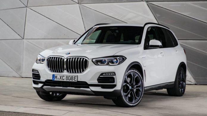 2021 BMW X5 xDrive45e hybrid SUV gets torque, range and tech bumps
