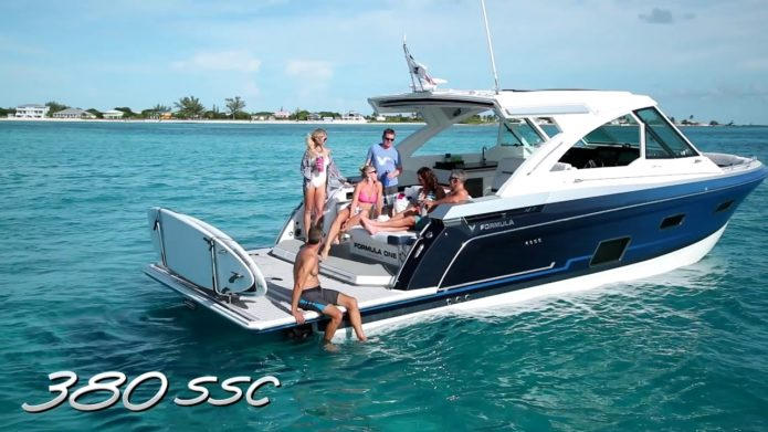 Formula Reveals 380 SSC Outboard Version