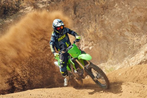 2021 KAWASAKI KX450 REVIEW (FIRST RIDE FAST FACTS)