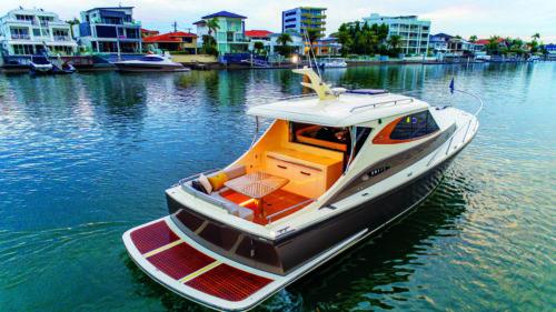 METAMORPHOSIS boat review