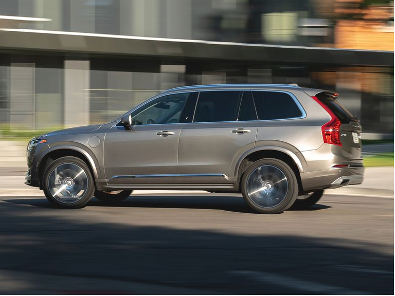 Tested: 2020 Volvo XC90 T8 Blends Luxury, Speed, and Efficiency