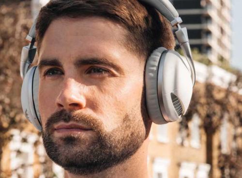 Meet IRIS Headphones: the latest in immersive wireless technology?