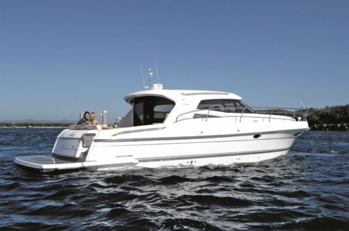 Mustang 430 Sports Coupe Boat Review