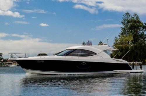 Riviera 4400 Sport Yacht Review