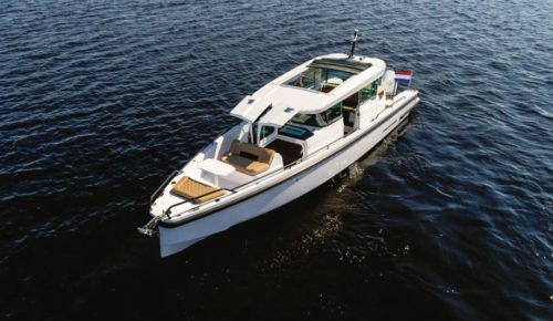 Axopar 37 review: Award-winning cruiser reborn for 2020 with gull-wing doors