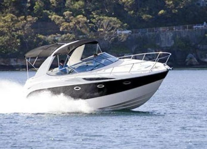 Bayliner 300 Boat Review