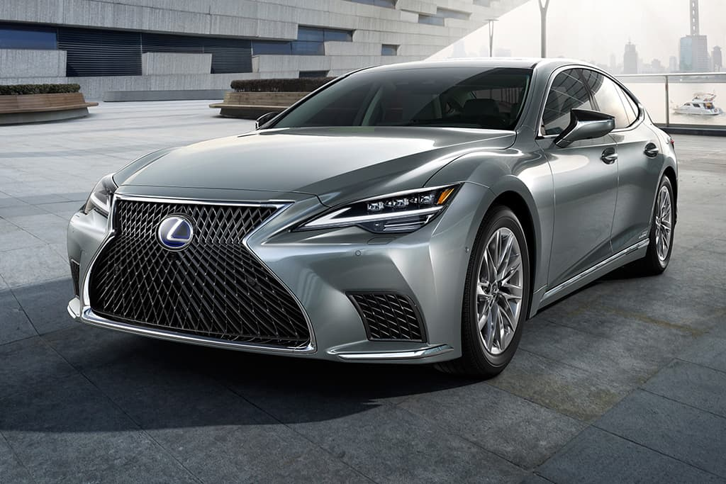 Facelifted Lexus LS here in early 2021