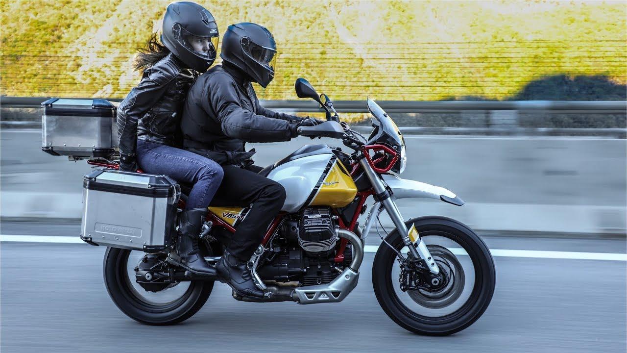 Retro 80'Veez : Moto Guzzi V85 TT Travel & Triumph Scrambler 1200 XE