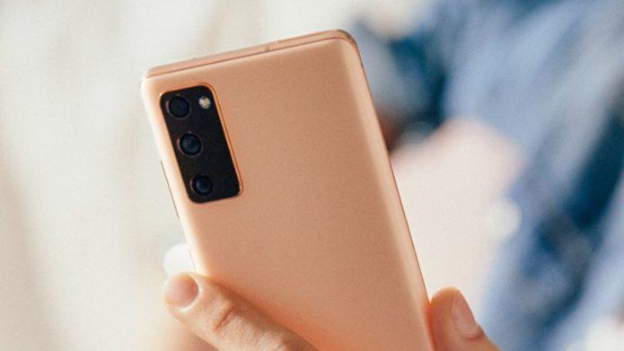 5 ways Galaxy S20 FE already beats the iPhone 12