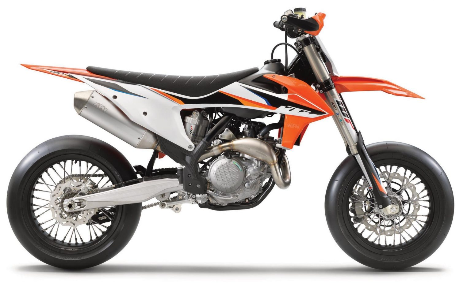 2021 KTM 450 SMR FIRST LOOK (7 FAST FACTS ON THE SUPERMOTO RETURN)