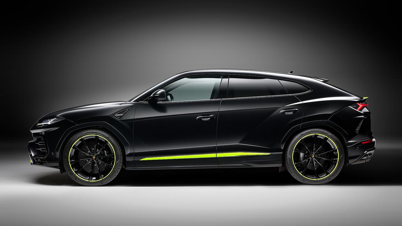 2021 Lamborghini Urus Graphite Capsule combines matte paint with glossy accents