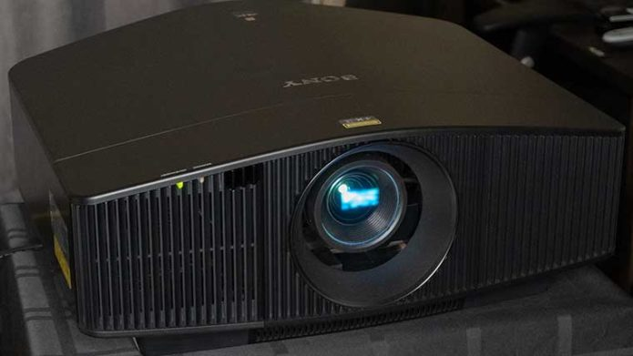 Sony VPL-VW915ES 4K SXRD Projector First Look