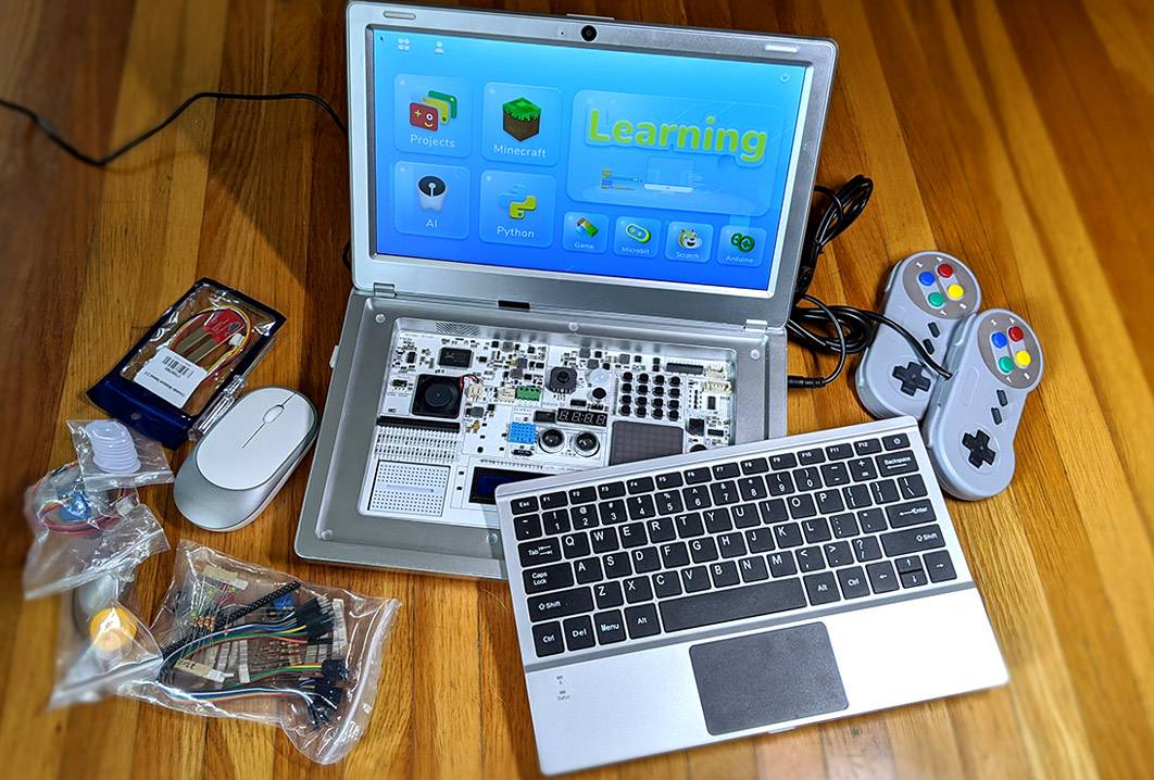 CrowPi2 Review : STEM education, Minecraft, and Raspberry Pi in a box