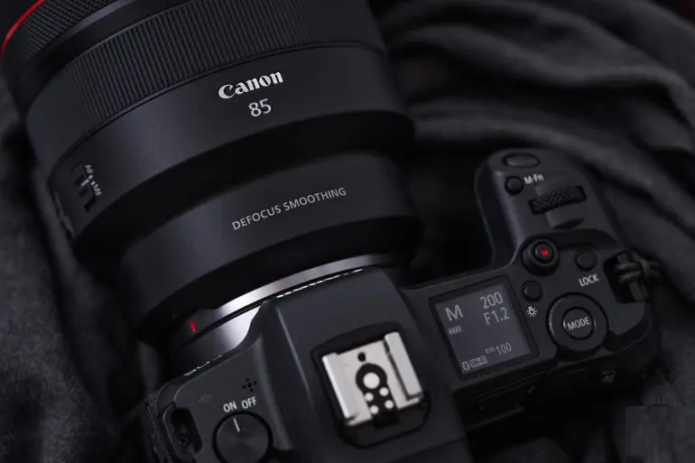 Is the Canon EOS R5s a Camera for Real Photographers?