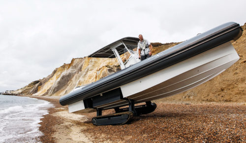 Iguana X100: Amphibious boat is much better for being a little cheaper