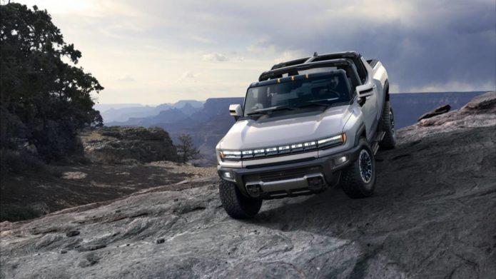 """2022 GMC Hummer EV revealed – 350 mile range from extreme """"Supertruck"""""""