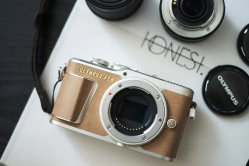 These Bargain Priced Mirrorless Cameras Are Under $600 Each!