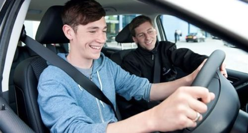 The benefits one can reap by taking driving lessons