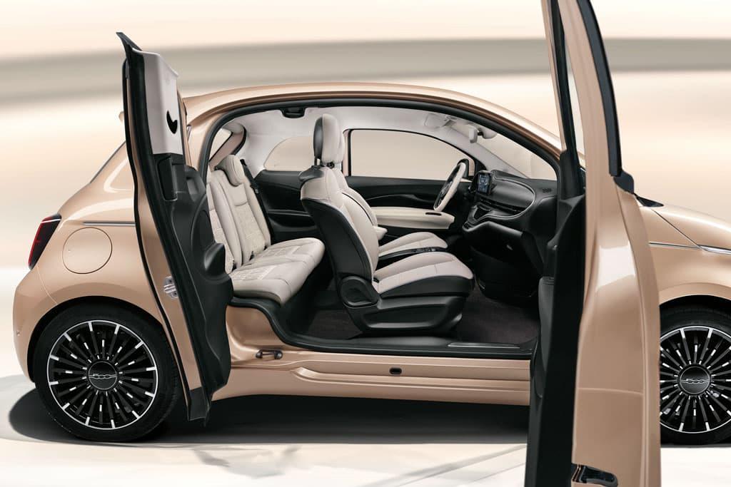 Fiat 500e 3+1 debuts