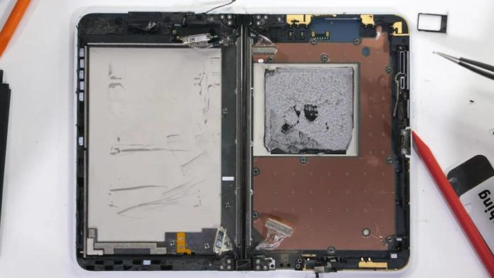 Surface Duo teardown magnifies flaws and strengths