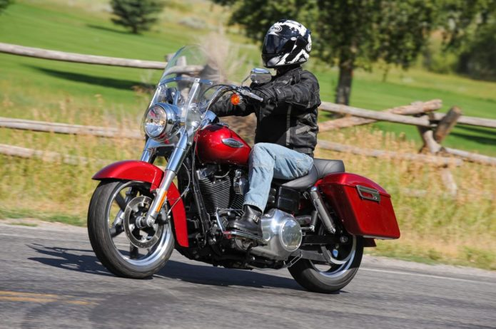 2012 HARLEY-DAVIDSON DYNA SWITCHBACK RETRO TEST: A CONVERTIBLE