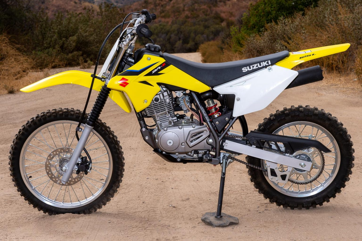 2020 SUZUKI DR-Z125L REVIEW: THROWBACK OFF-ROAD MOTORCYCLE