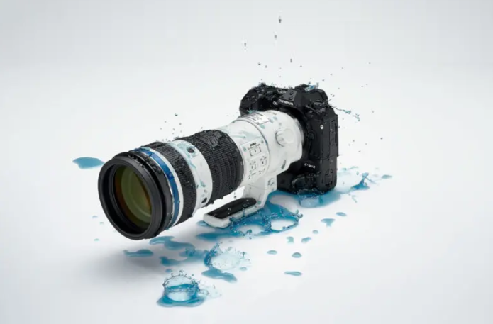 The Olympus 150-400mm F4.5 IS Pro Will Crush Your Big M4/3 Dreams