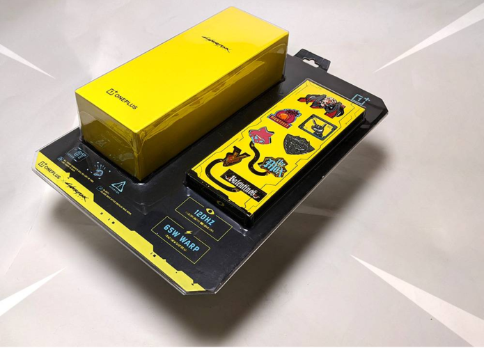 OnePlus 8T Cyberpunk 2077 Edition unboxing – a packaging design masterpiece
