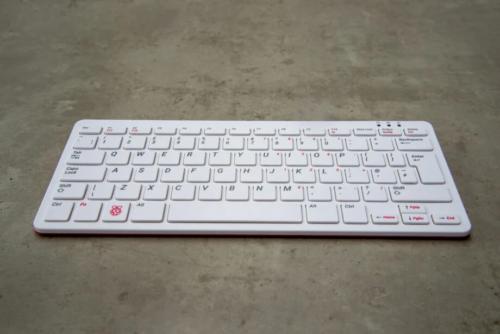 Raspberry Pi 400 Review