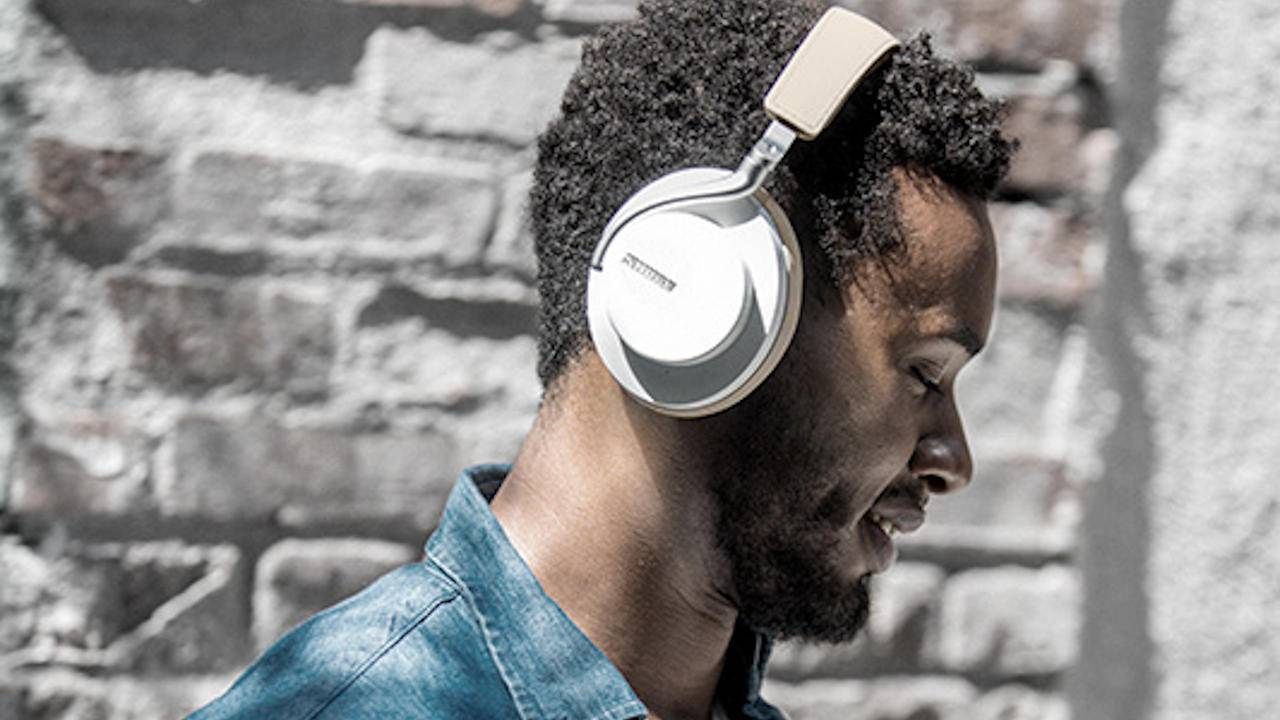 Shure AONIC 50 wireless headphones get a new color, holiday price