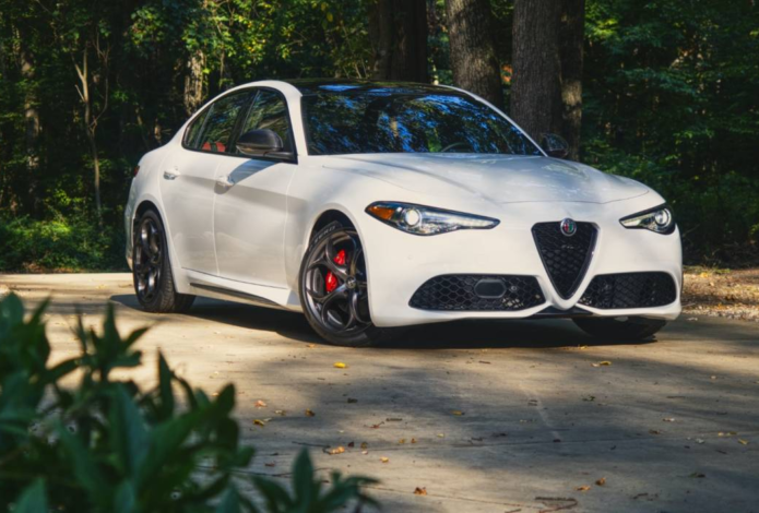 2020 Alfa Romeo Giulia Ti Sport Carbon Review – Gilding the Lily