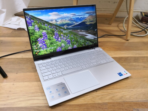 Dell Inspiron 15 7506 2-in-1 Convertible Review: Easy to Use, Easy to Own
