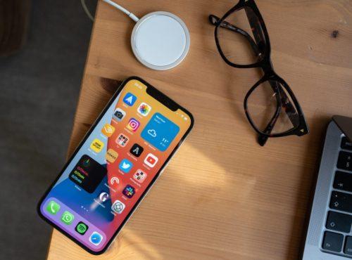 Samsung Galaxy S21 vs iPhone 12 Pro Max