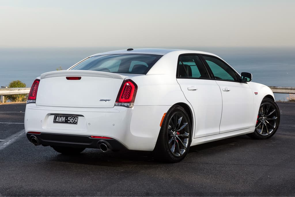 Chrysler 300 SRT 'put on hold'