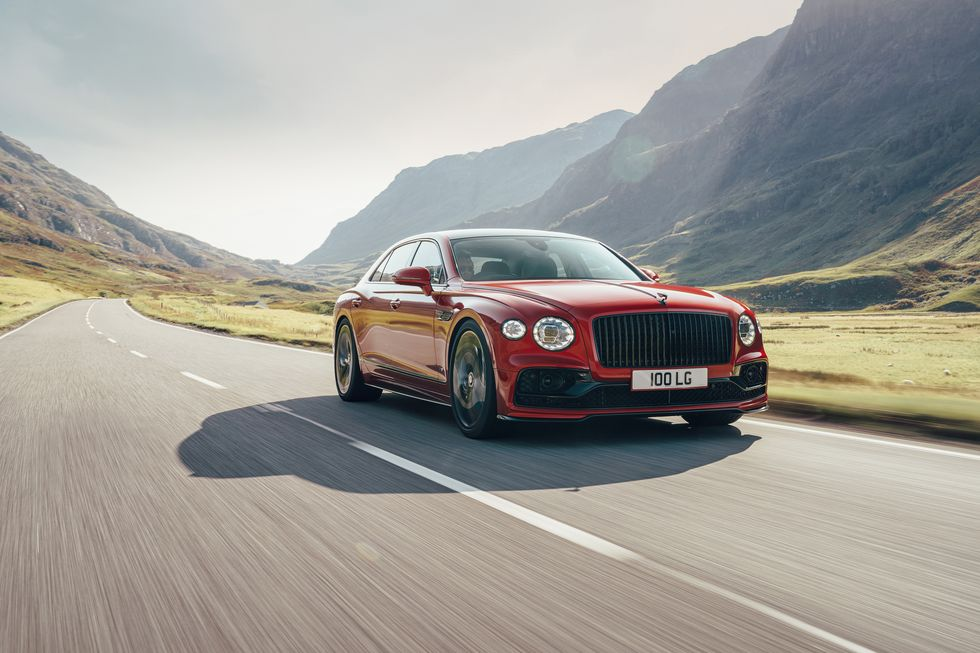 2021 Bentley Flying Spur V-8 Is Sensibly Extravagant