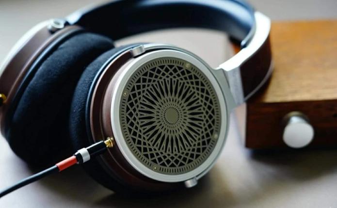 HarmonicDyne Zeus Open-Back Headphone Review