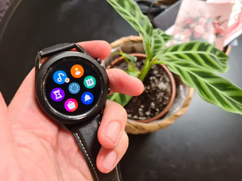 UK Samsung Galaxy Watch owners get some life-saving new health tools