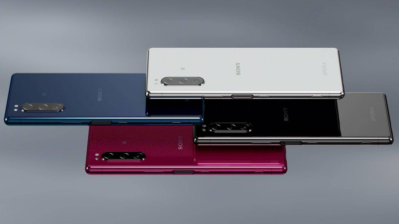 Xperia 1, Xperia 5 get Android 11 update a month early