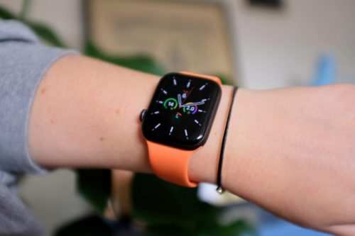 Apple will fix Power Reserve charging bug for free, if watchOS update doesn't
