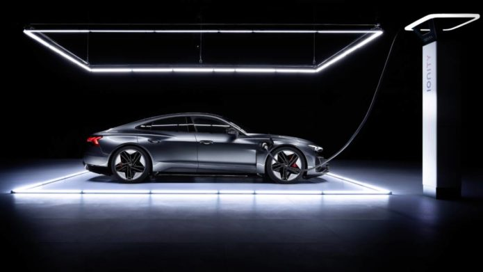 2022 Audi e-tron GT – 5 things to know about Taycan's electric cousin