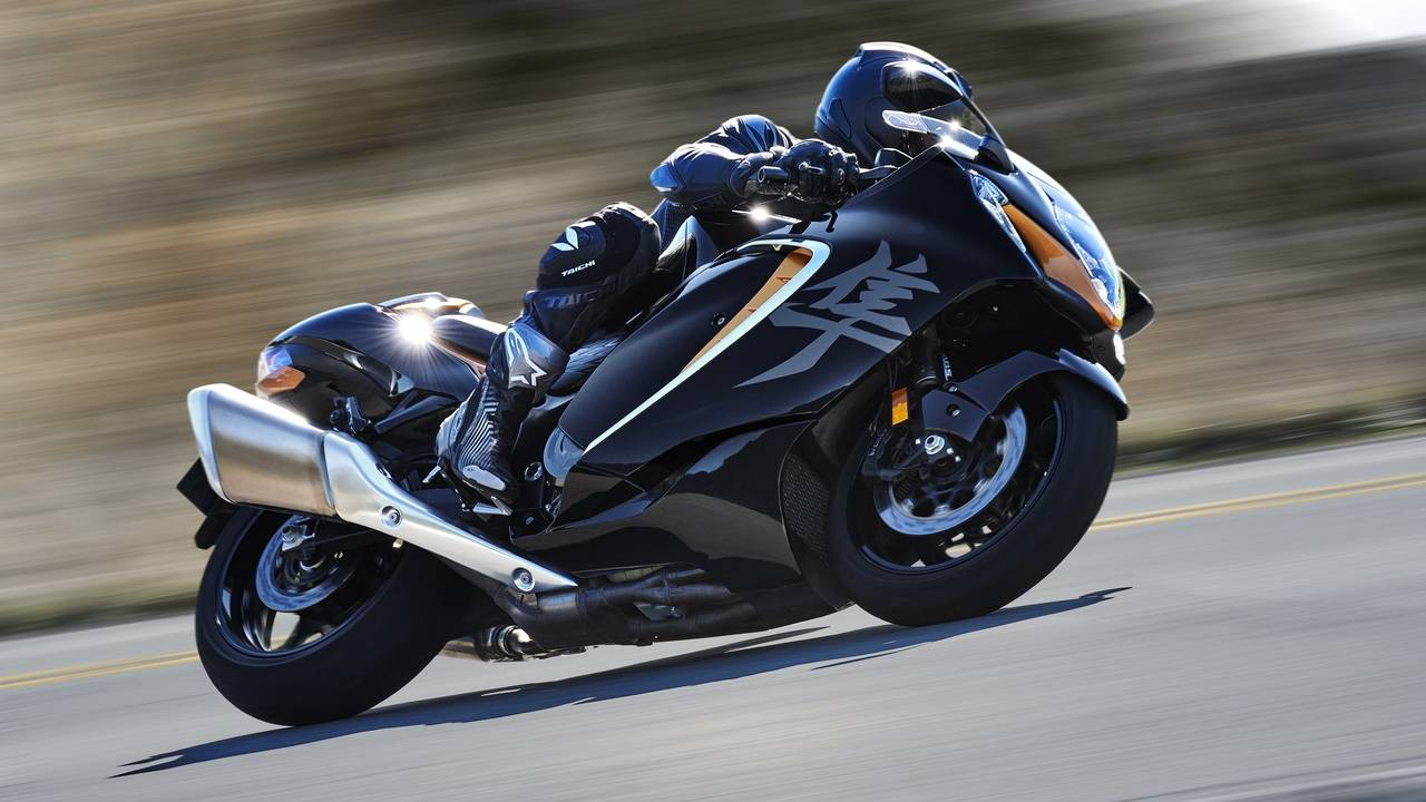 2022 Suzuki Hayabusa returns with sharper styling and new tech