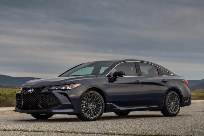 2021 Toyota Avalon Hybrid Review