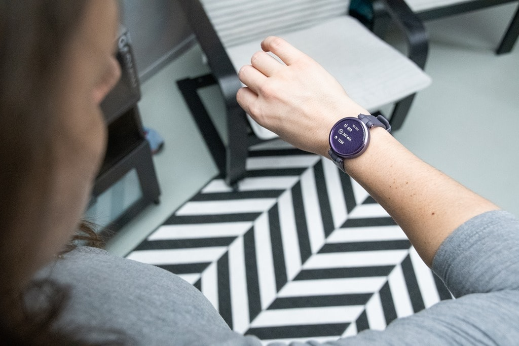 Garmin Lily Smartwatch Hands-On