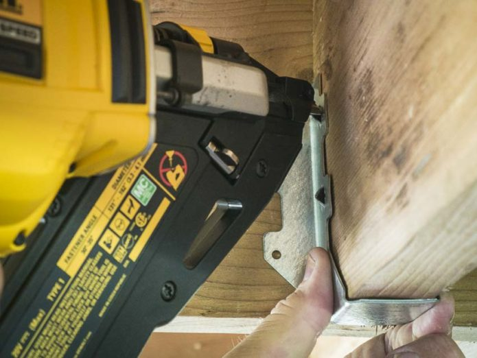 Pneumatic vs Cordless Nailers: What's the Best Choice?