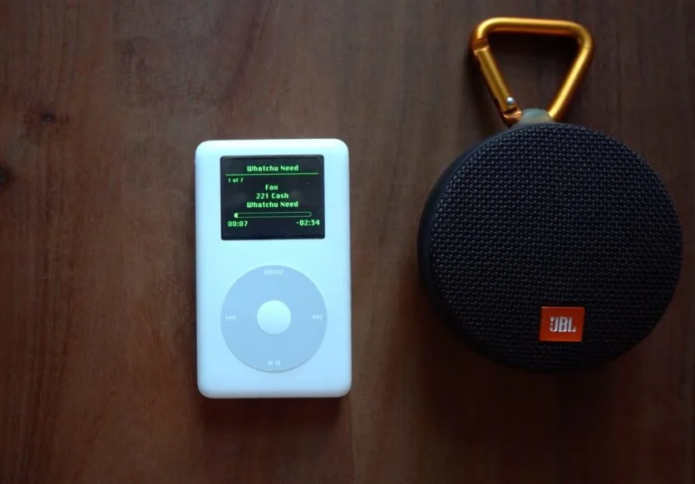 This dude gutted his iPod Classic and turned it into a Wi-Fi Spotify player with Bluetooth audio