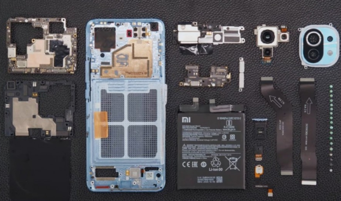 Xiaomi disassembles Mi 11 on video, phone seems fairly easy to repair