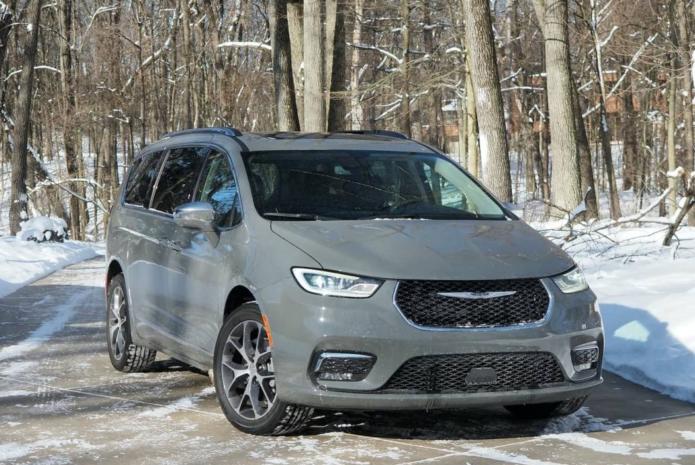 2021 Chrysler Pacifica AWD Review – Minivan, Max Versatility