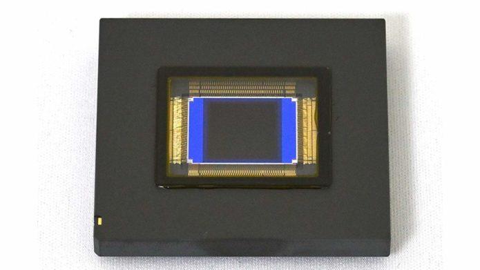 Nikon 1-inch stacked CMOS sensor boasts 1000 fps shooting